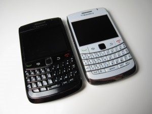 Blackberry Bold 9780 with its replaced enclosure